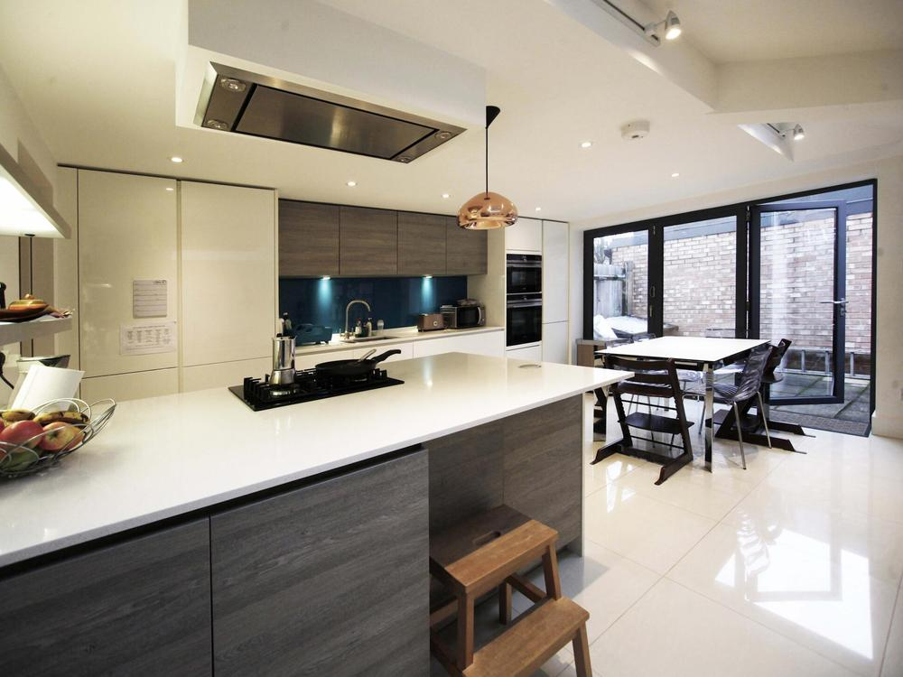 Modern Alno Kitchen with Appliances & Quartz Worktops
