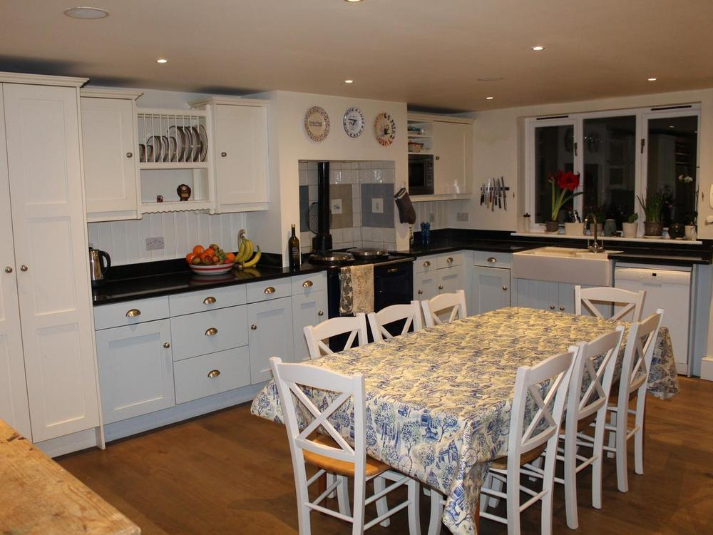 John Lewis of Hungerford Kitchen with Granite Worktops