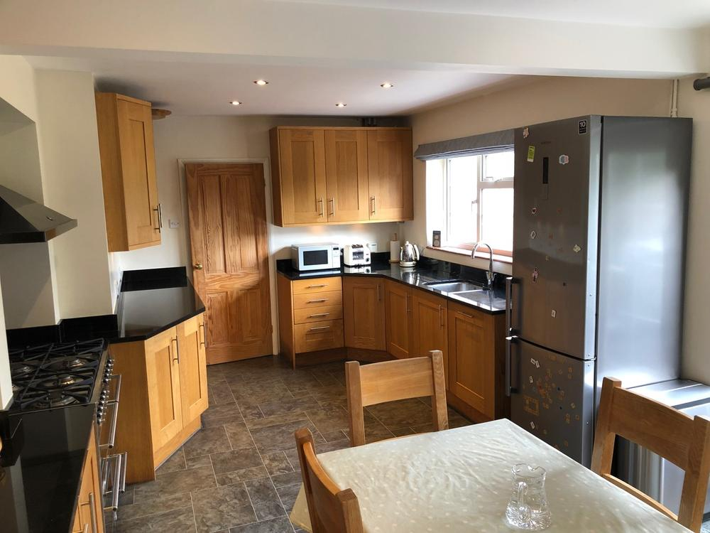 Oak kitchen with Granite