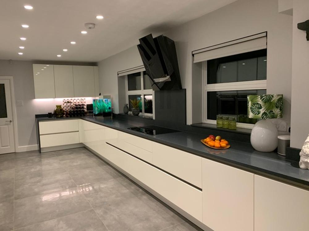 Alno Kitchen with Corian Worktops