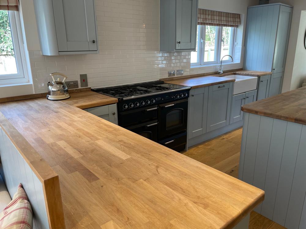Howdens Kitchen with Oak Worktops & Rangemaster