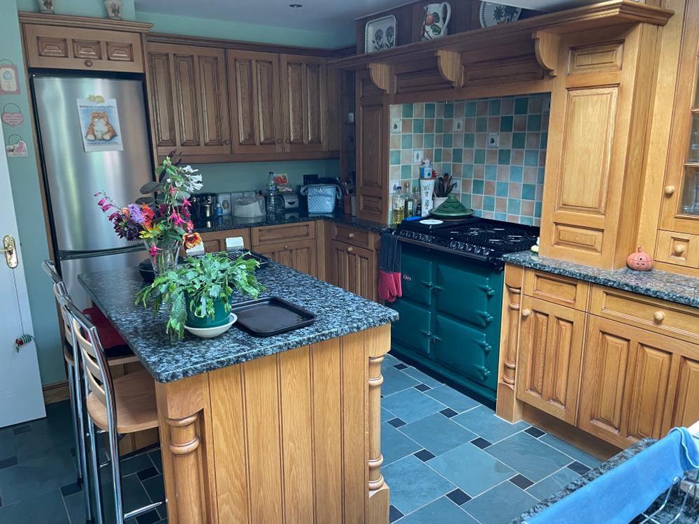 Handmade kitchen by Fordbrook with Granite Worktops &Appliances