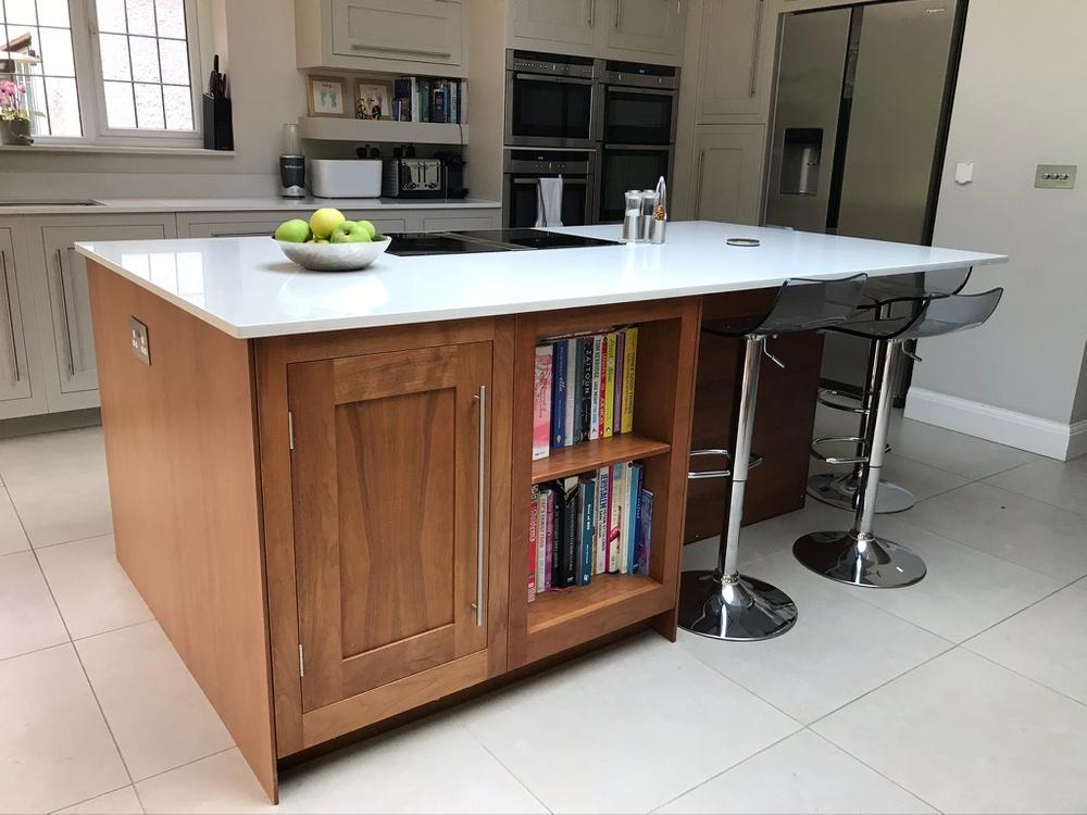 Harvey Jones Hand-Painted Island Kitchen with Silestone Worktops
