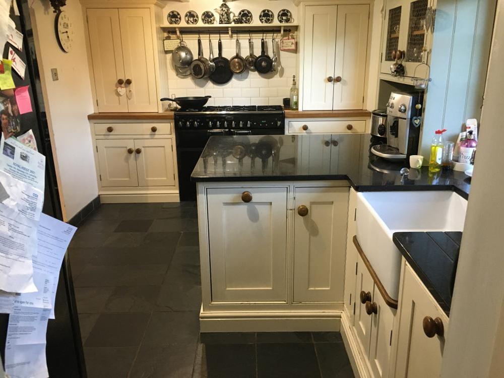 Bespoke Shaker Kitchen with Black Granite Worktops
