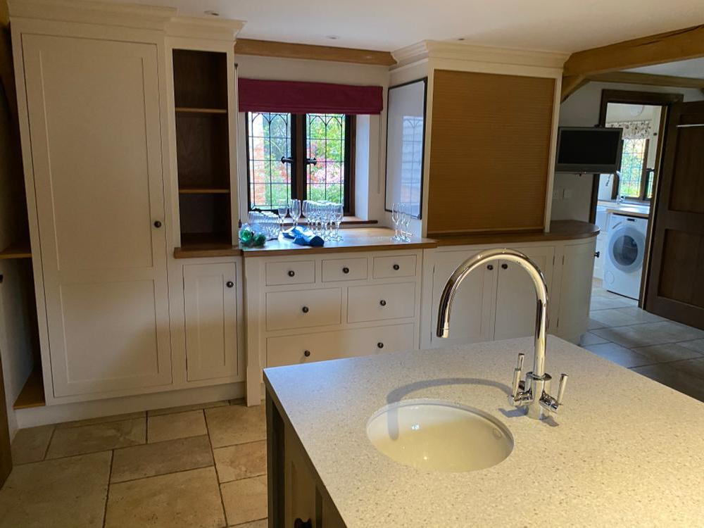 Bespoke Shaker Wooden Kitchen with Granite