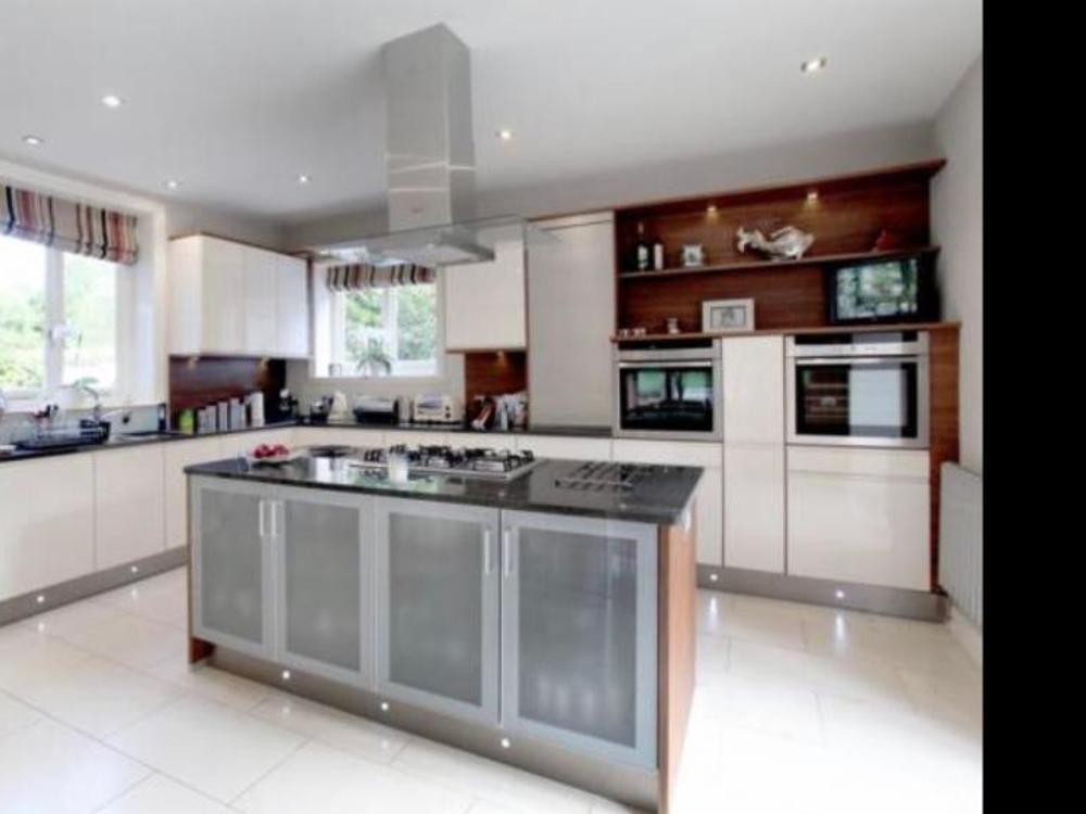 Intoto Kitchen with Appliances & Granite Worktops