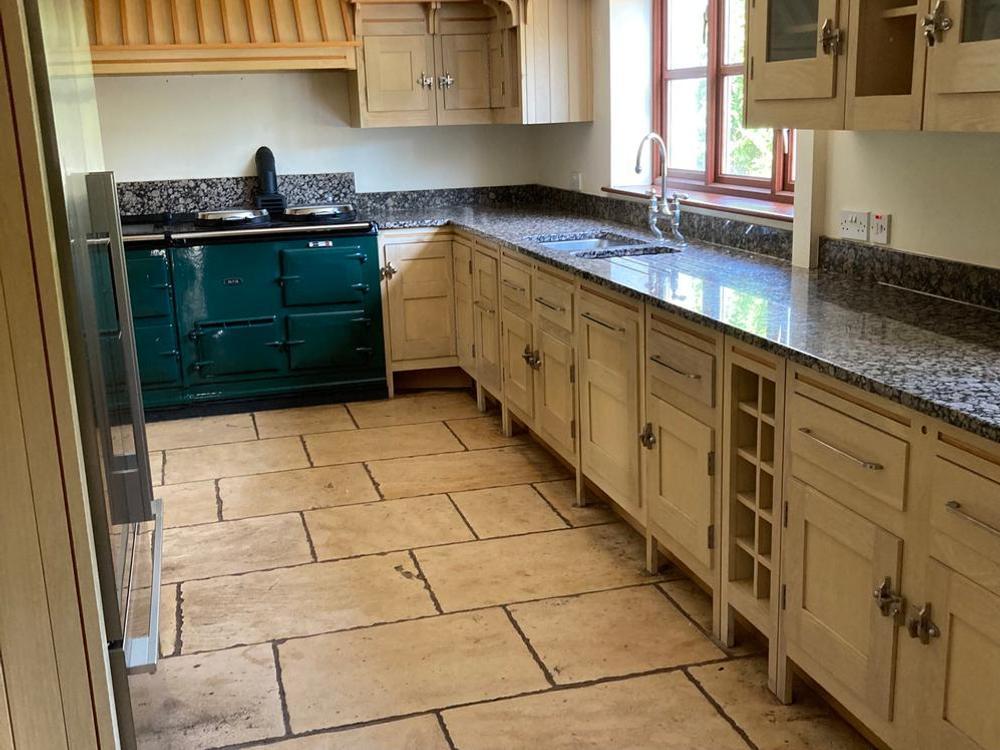 Mark Wilkinson Kitchen with Appliances & Granite