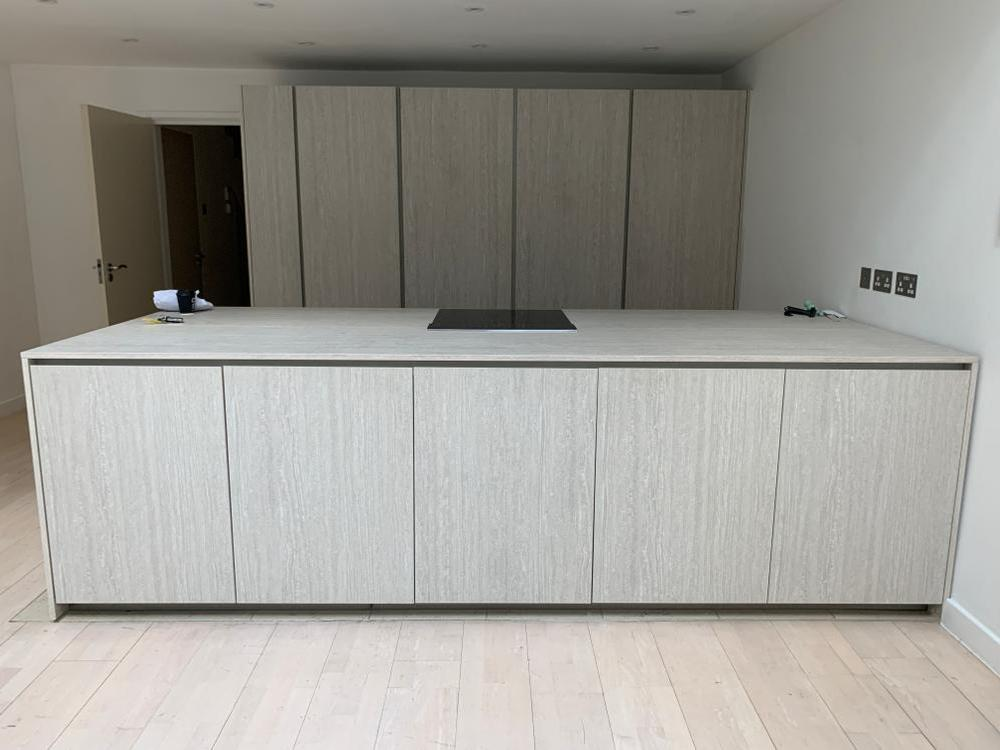 Handleless Modern Kitchen