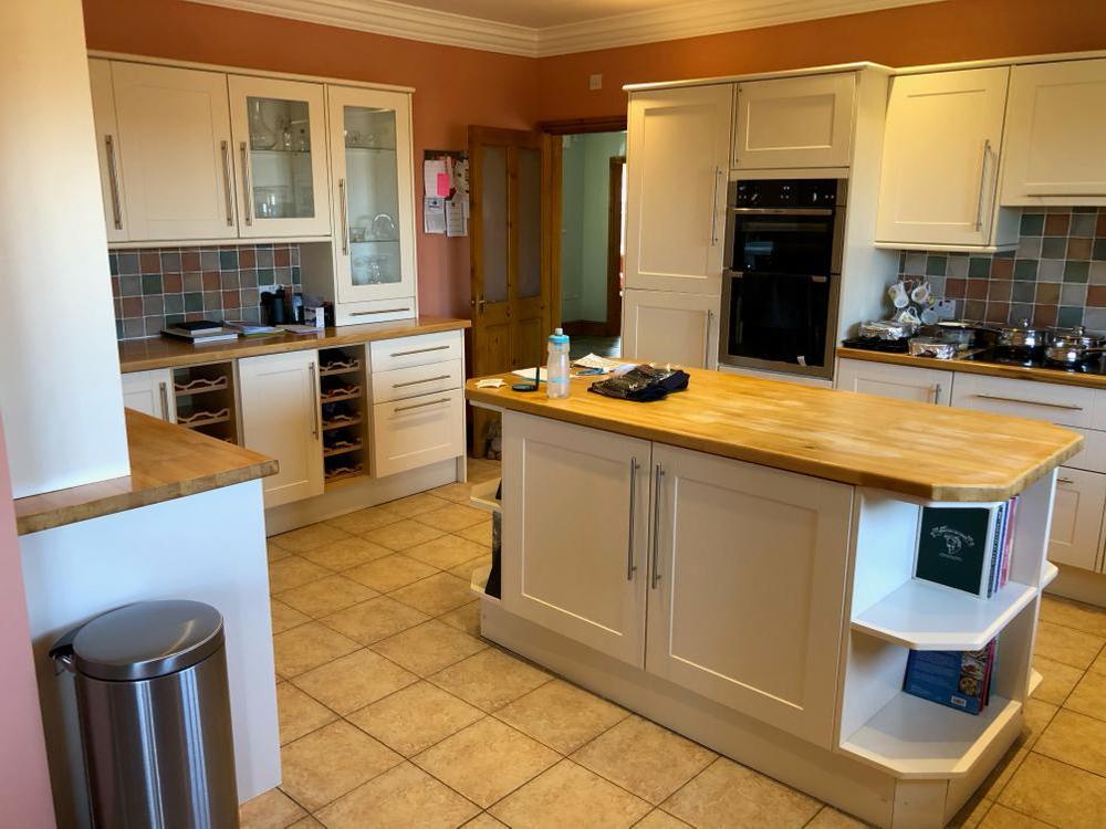White Kitchen with Bamboo Worktops & Appliances