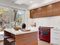 What To Consider When Choosing Kitchen Cabinets